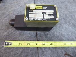 Parker Directional Control Valve D1VW20B5Y-31 NEW  image 1
