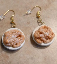 Sweet Funnel Cake Charm Earrings Clay Charms Food Gold Tone Wires Snack ... - $6.00