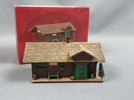 The Hays Train Station Sarah Plain and Tall Collection by Hallmark 1994 - $10.66
