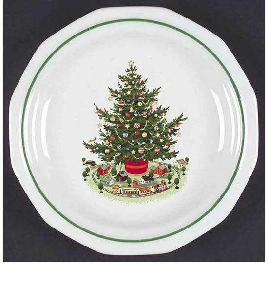 Luncheon Plate Christmas Heritage by PFALTZGRAFF Width: 8 1/8 in Made in USA  - $25.23