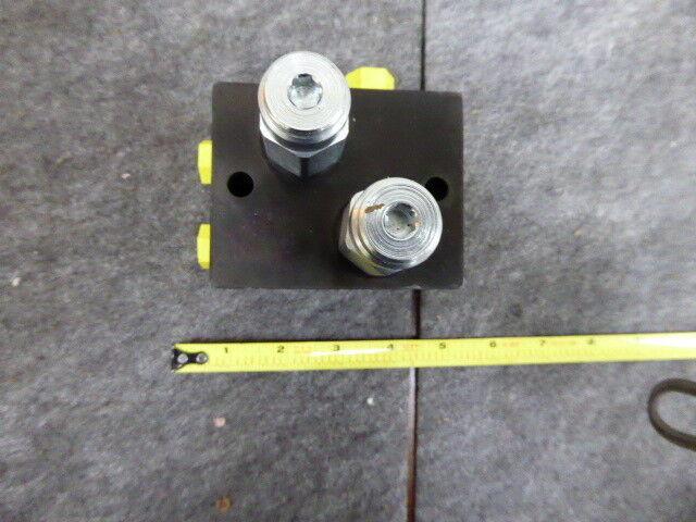 AT467541 John Deere Hydraulic Pressure Valve