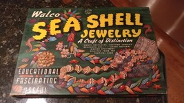 VINTAGE GAME TOY 1945 WALCO SEA SHELL JEWELRY DESIGN - $38.93