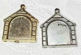 DOG HOUSE PICTURE FRAMEFINE PEWTER PENDANT CHARM - 2mm L x 22mm W x 20mm D