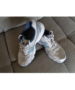 New Balance Womens Tennis Shoes 8.5D Wide Width Teal Blue and White WR58... - $34.99