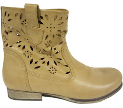 MIA Fauna ankle boots sz 8.5 tan perforated faux leather NEW GS90206 - $25.00