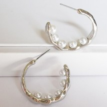 Summer Beach Gold Hammered Metal Geometric Pearl Bead Pea Minimalist Min... - $8.12