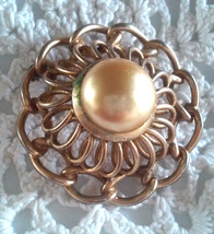 Vintage Signed Barclay Faux Golden Pearl Dimensional Gold Tone Pin Brooch - $4.75