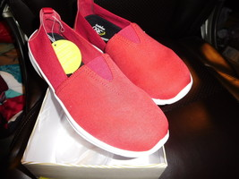 New 9M Easy Spirit Quirky Red Fabric Shoe E360 Lin - $32.00