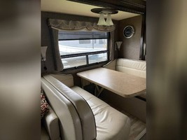 2017 THOR MOTOR COACH CHALLENGER 37LX FOR SALE IN Huntington Beach, CA 92605 image 11