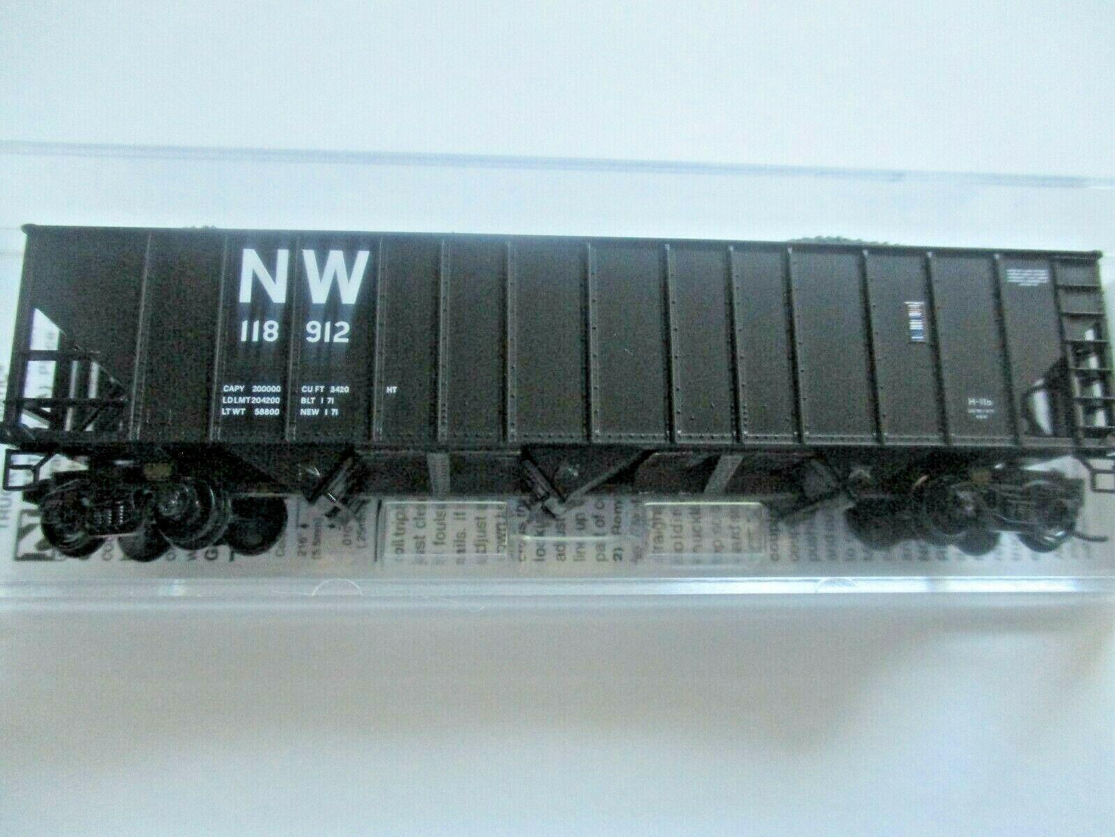 Micro-Trains # 10800422 Norfolk & Western 100-Ton 3-Bay Hopper with Coal Load (N