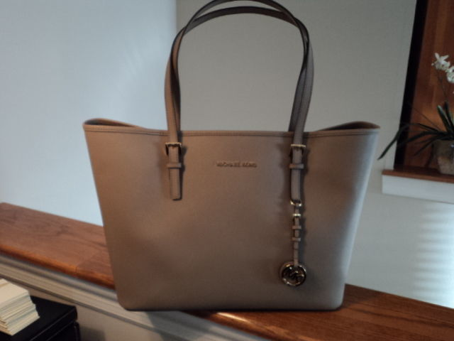 00f0a8d125c6 S l1600. S l1600. Previous. Authentic Michael Kors Jet Set Travel Medium  Travel Tote Dark Taupe Leather NWT