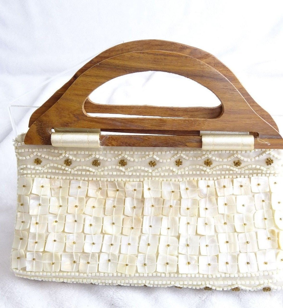 Expressions Nyc Inc Handcrafted Sea Shell Beaded Cream Gold Wood Hand Handbag