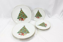 Jamestown Xmas Treasure Dinner and Salad Plates Lot of 8 - $53.41