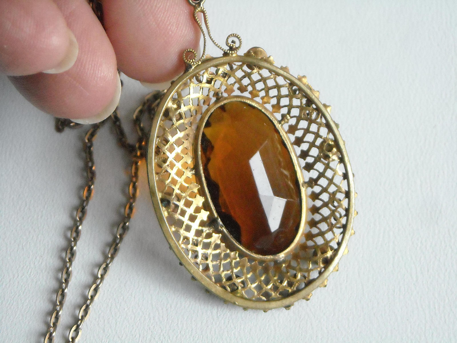 Vintage Gold Tone Filigree Necklace With A Golden Amber Glass Center & Side Sets image 2