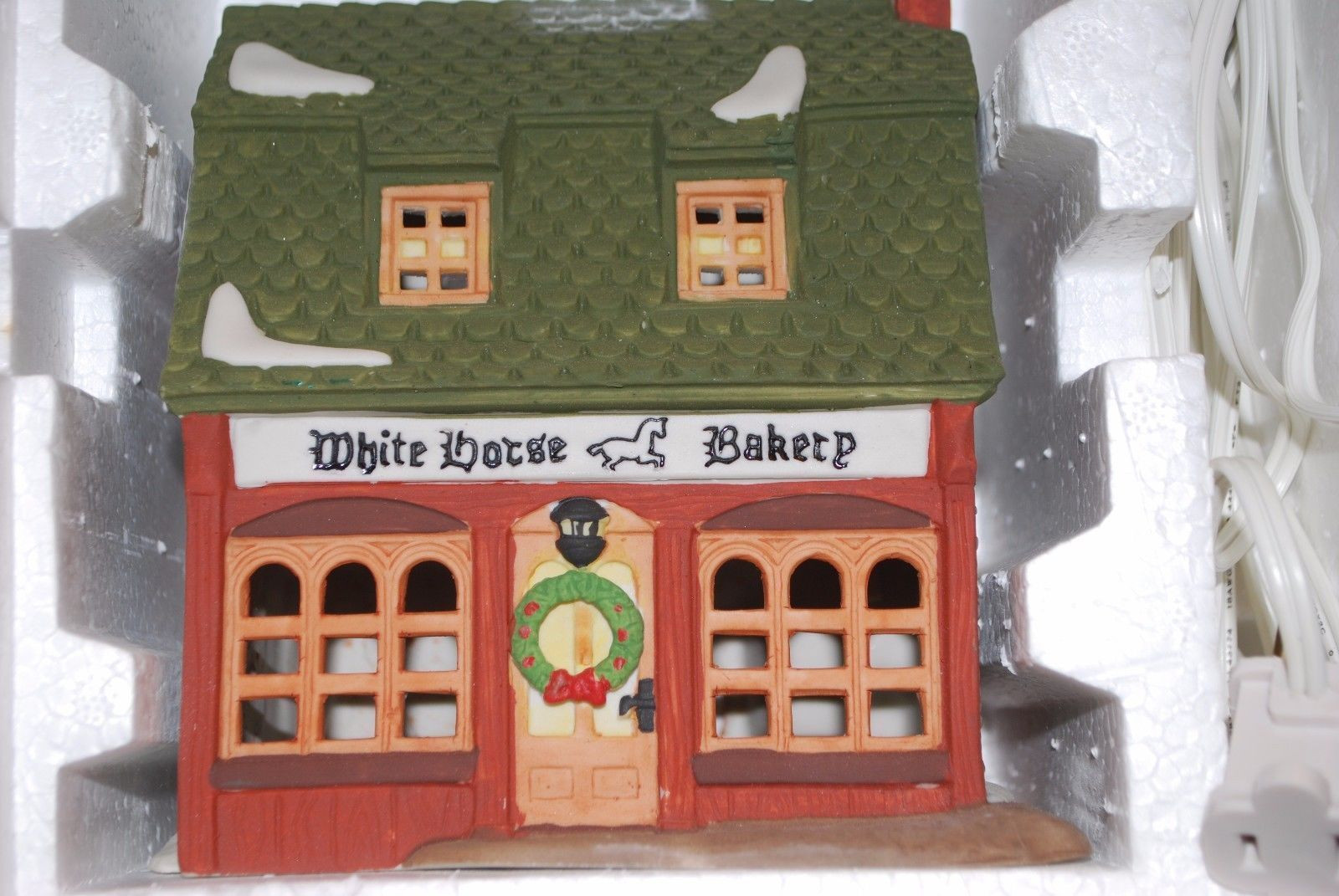 "DEPT 56 HERITAGE VILLAGE DICKENS' VILLAGE SERIES ""WHITE HORSE BAKERY"" 5926-9"