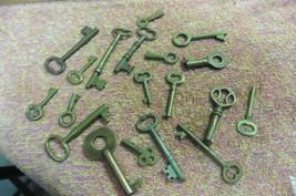 19 Skeleton keys lot of 19 all brass desks chests cabinets safes - $40.10