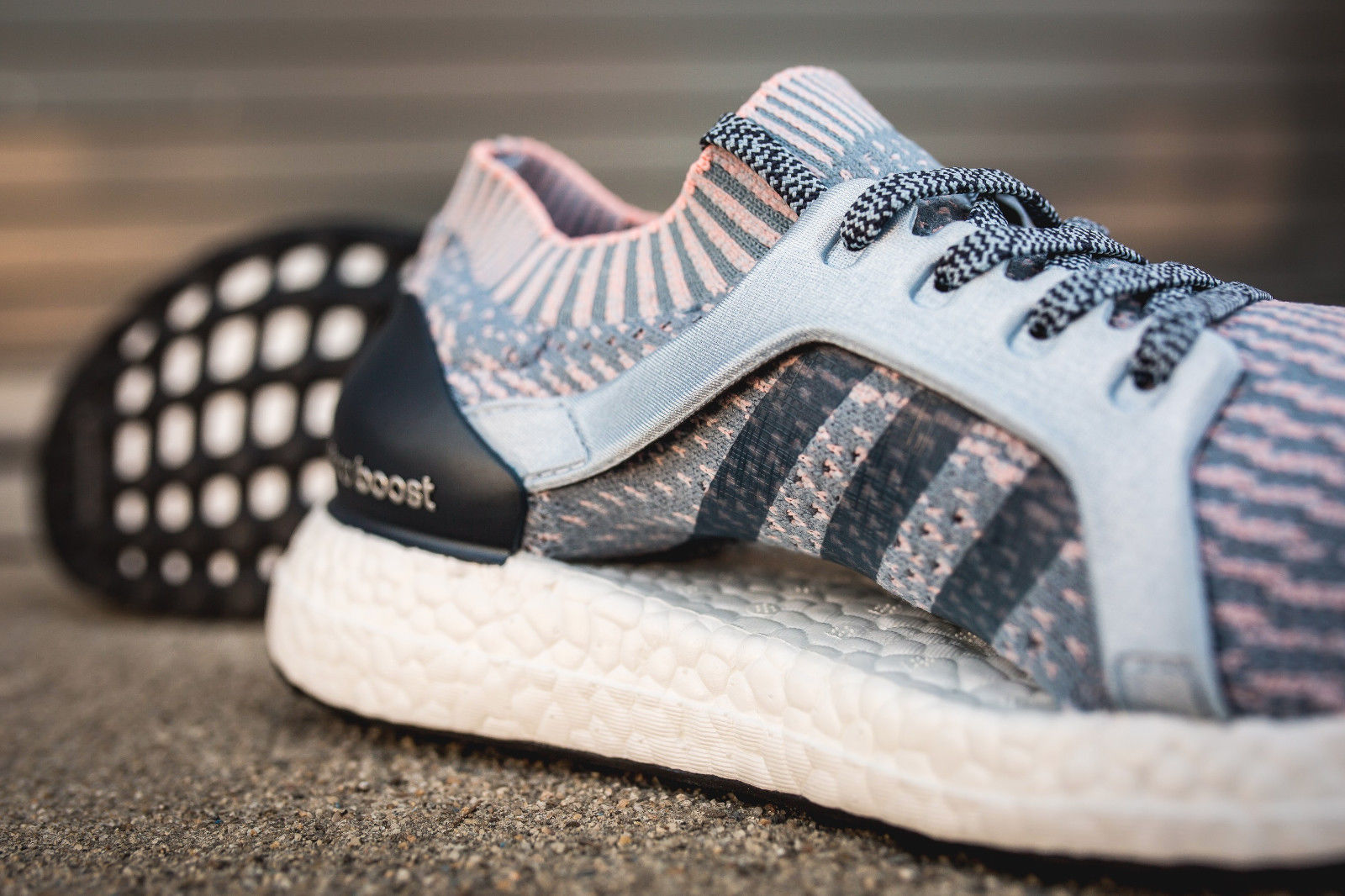 5eae7ffeef5f5 ADIDAS Women s UltraBOOST X Running Shoes sz 8.5 Tactile Blue Coral Ultra  Boost
