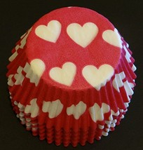 50 White Valentine Hearts on Red Liners Baking Cups Cupcake STANDARD SIZE - $157,67 MXN