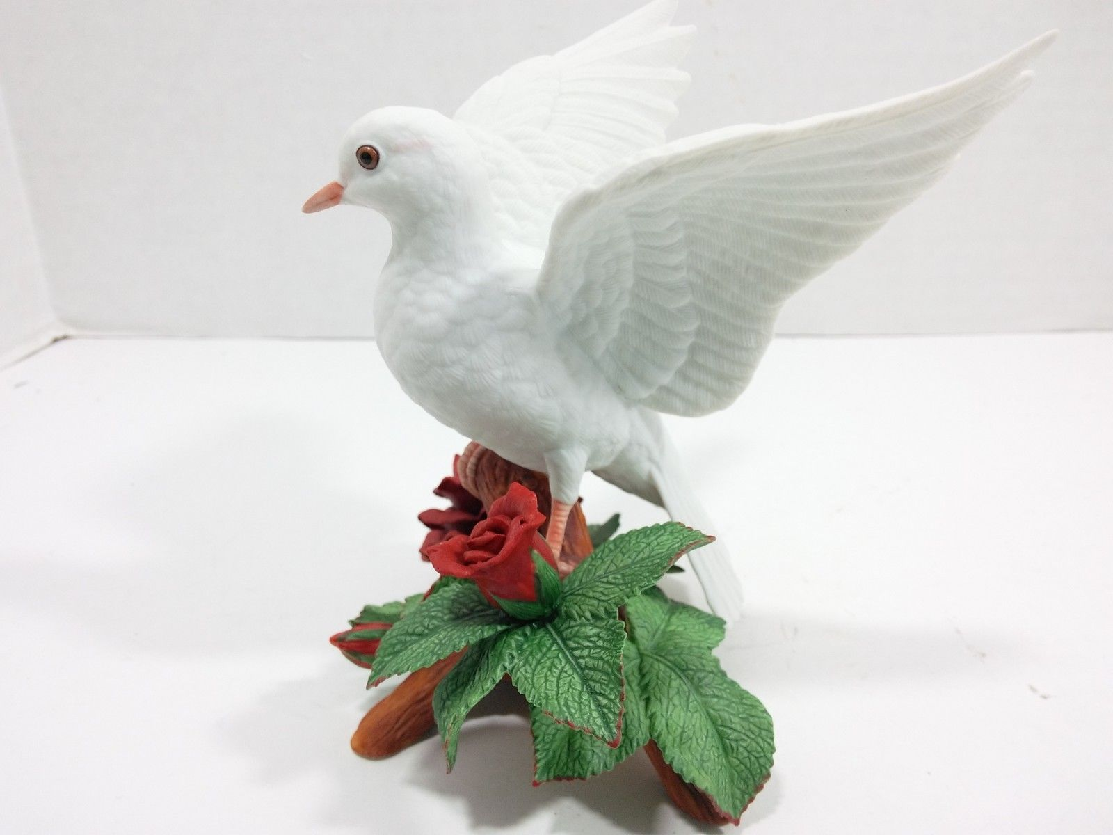 The Annual LENOX Christmas Collection 1993 Christmas Dove (Fine Porcelain) image 3