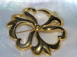 Estate MONET Signed Large Cut-Out Swirly Goldtone Flower Pin Brooch – ma... - $12.19