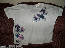 Aeropostale Gray with Floral Design Shirt Size XL Women's NEW HTF - $19.50