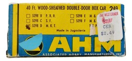 AHM 40ft Wood-Sheathed Double Door Box Car Vintage