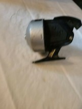VINTAGE DAIWA 2100B, FISHING REEL FOR PARTS OR REPAIR