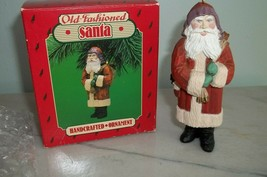 Hallmark Ornament Old Fashioned Santa 1986 Vintage - $8.99