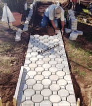 Keyhole Interlocking Driveway Paver Molds 18+2 Edgers FREE! Make 1000s of Pavers image 1