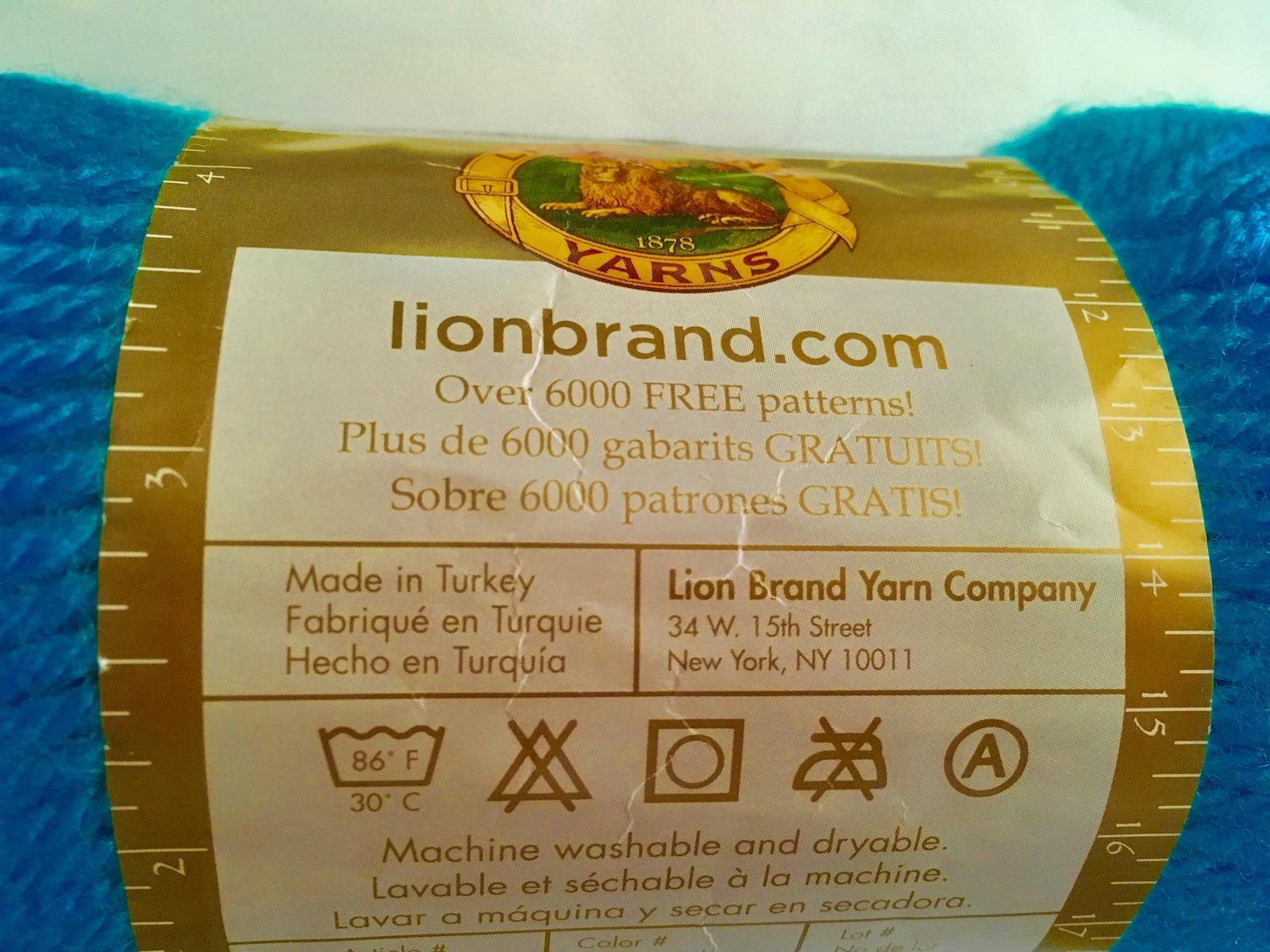 Lion Brand Yarn Company 1-piece Vanna/'s Choice Yarn Vannas Piece Yarn Pink