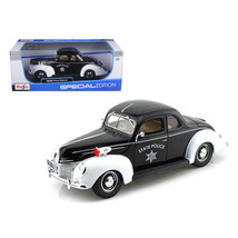 1939 Ford Deluxe Police 1/18 Diecast Model Car by Maisto 31366 - $48.49