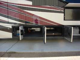 2016 Tiffin Motorhomes ALLEGRO BUS 45 LP For Sale In Madison, MS 39110 image 2