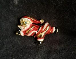 Vintage Christmas Running Santa Claus Brooch Pin - $9.00
