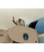 President Ronald Reagan waves as he boards Air Force One 1984 - New 8x10... - $8.81
