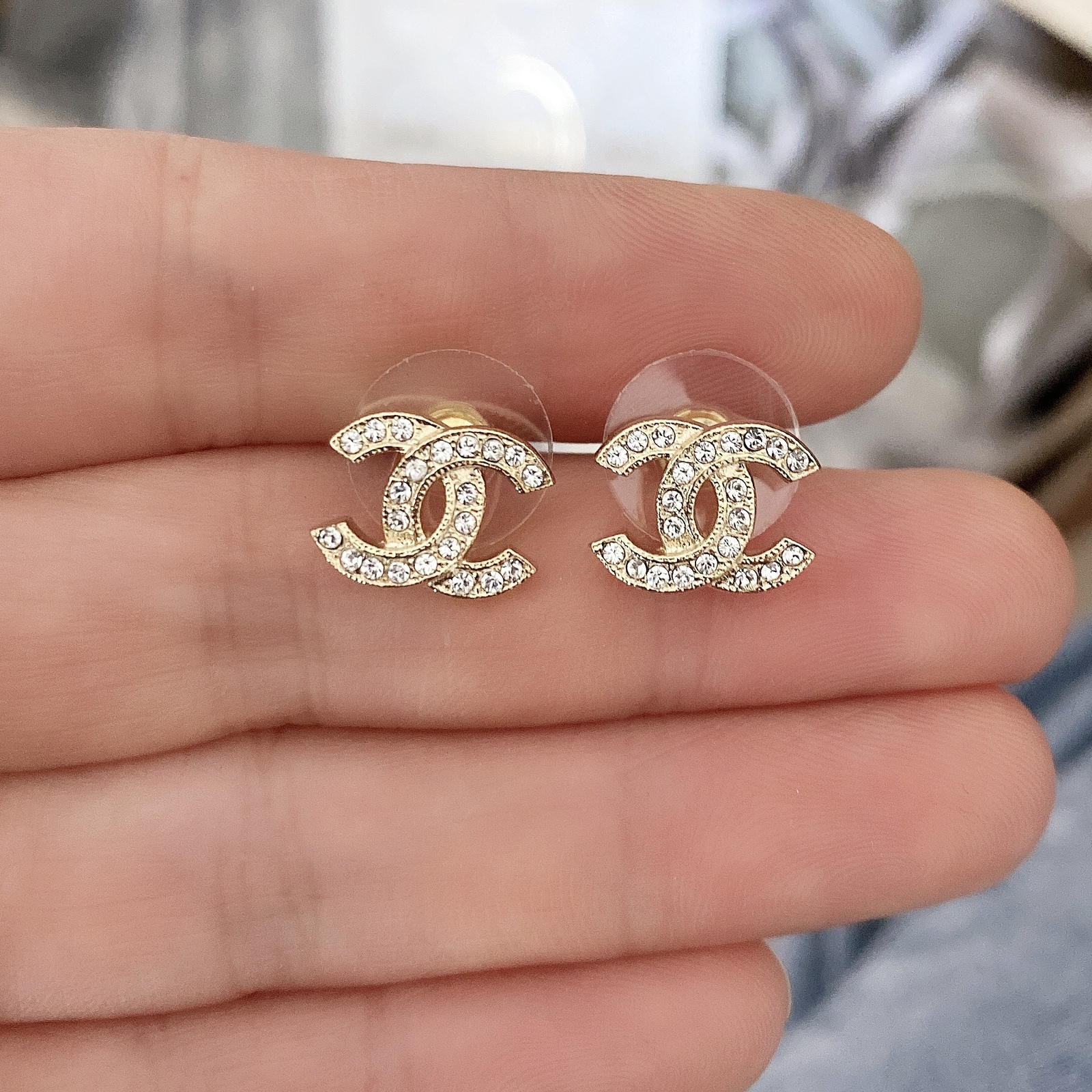 Authentic Chanel Classic CC Logo Crystal Strass GOLD Stud Earrings