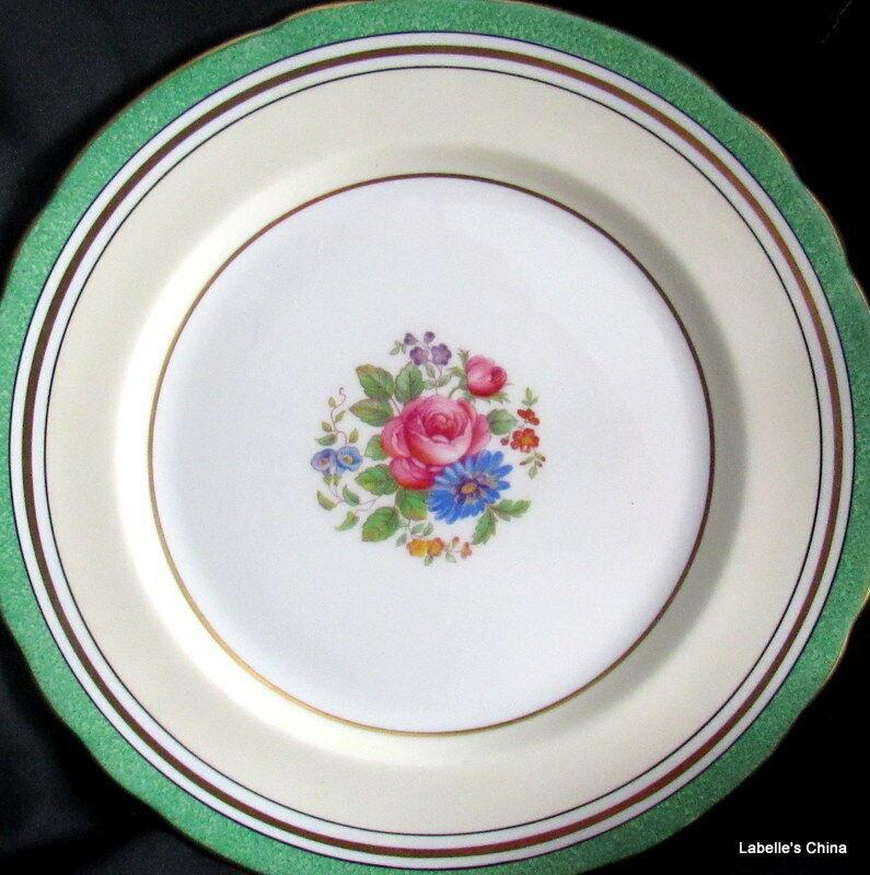 "Aynsley England 8"" Salad Plate Green Flowers 7359 English Bone China Gilt Trim"