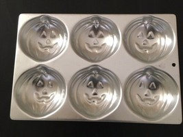 Special Offer Used Wilton 6 In 1 Pumpkins Cake Pan Ref: 508-1040 As Per Pictures - $7.43
