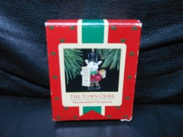"Hallmark Keepsake ""The Town Crier"" 1988 Ornament NEW - $3.32"
