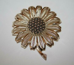 Vintage Sarah Coventry Silvertone Large Flower Brooch J347 - $20.00