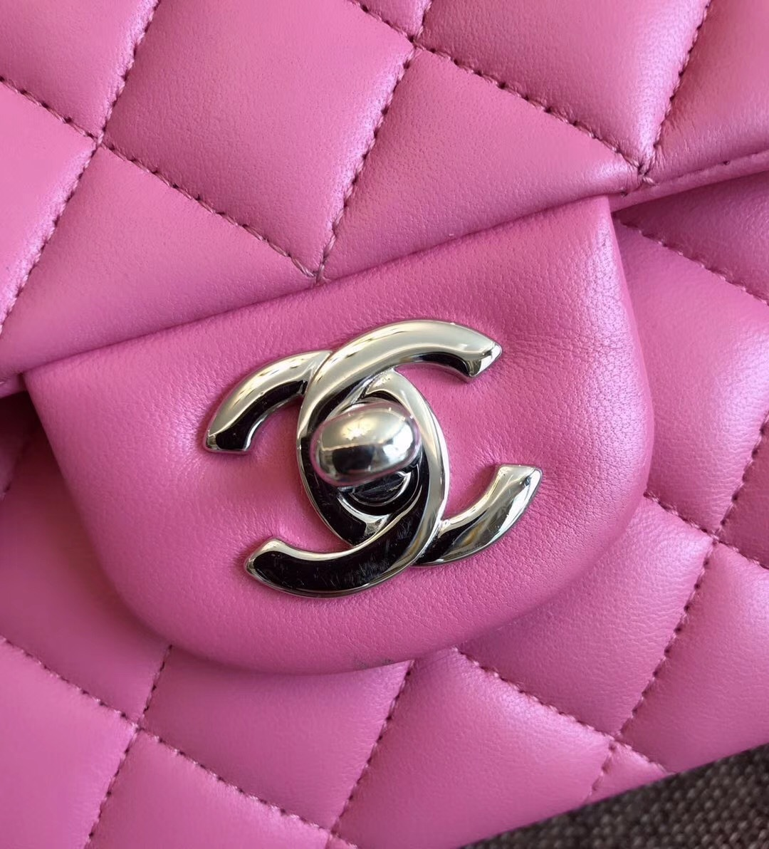 BRAND NEW AUTHENTIC CHANEL 2019 PINK QUILTED LAMBSKIN MEDIUM DOUBLE FLAP BAG SHW
