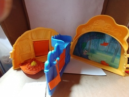 1995 Disney's Pocahontas Once Upon A Time Folding Playset (Compact Only) - $10.00