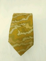 Vintage Wembley Neck Tie For Brown Olive Or Black Suit Orange Patterned - $12.86