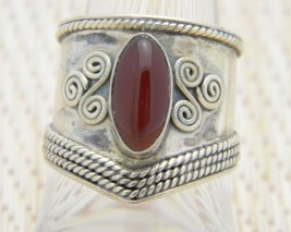 Red Almandine Stone Shield Band Silver Tone Ring Size 7.5 Vintage - $39.59