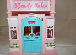 2011 Fisher Price Sweet Streets Beauty Salon  & Pet Shop - $16.82