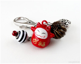 Maneki Neko Zipper Charm, Beaded Keychain, Planner Charm, Red, Lucky Cat... - $13.00