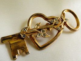 Vtg 1940s Coro Signed Sterling Gold Vermeil Crystal Key To My Heart Brooch Pin - $41.58