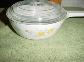 Corning Ware Floral Bouquet 1 Pint Saucepan P-81-B With Lid Very Good Used - $28.04