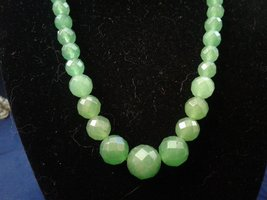 "18"" Handmade Graduated Faceted Jade Beaded Necklace Z212 - $40.00"