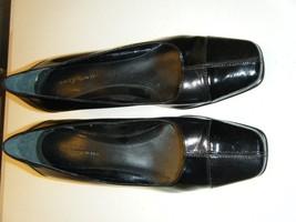 Easy Spirit Black Leather 2 Inch Heel Closed Toe Shoe 8M - $17.99