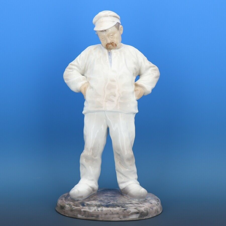 "Large 11 1/2"" Bing & Grondahl Porcelain Figurine of a Man #1786 Bricklayer c1980"